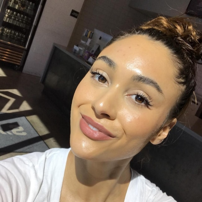 Lindsey Morgan in a selfie in March 2018