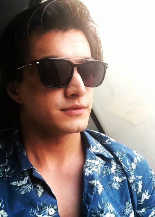 Mohsin Khan in an Instagram selfie as seen in May 2018