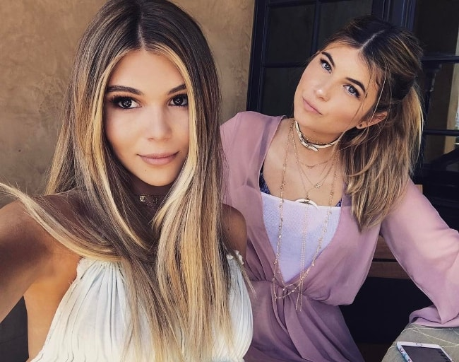 Olivia Jade Giannulli (Left) with her sister Isabella Rose Giannulli as seen in April 2017
