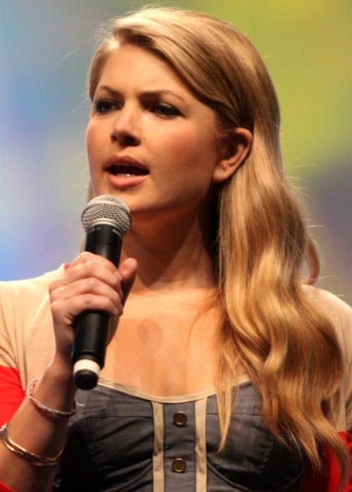 Stevie Nelson speaking at VidCon 2012