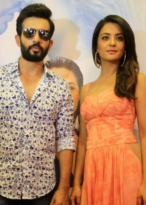 Surveen Chawla and Jay Bhanushali during the promotion of Hate Story 2 in 2015