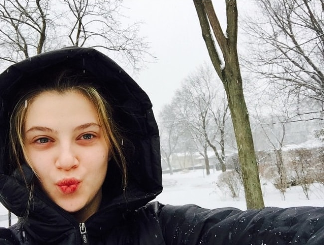 Zoe Levin enjoying in the snow in January 2015