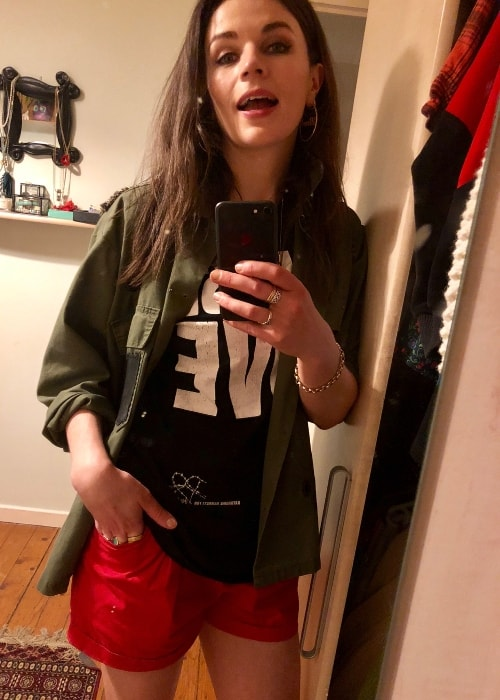 Aisling Bea in a mirror selfie in May 2018