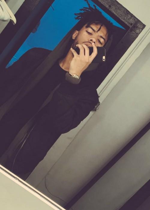 ELHAE in a selfie in February 2016