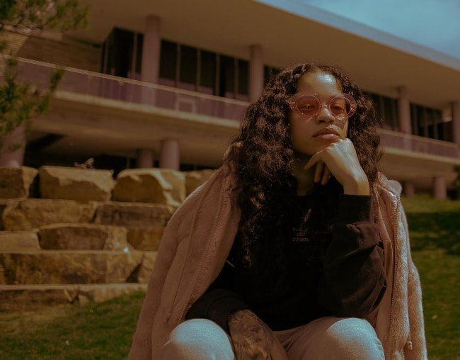 Ella Mai posing for a picture in May 2018