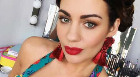 Holly Peers Height, Weight, Age, Body Statistics