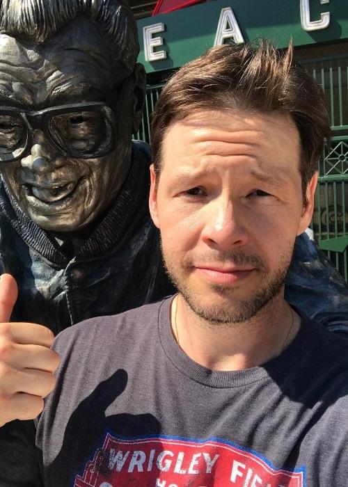 Ike Barinholtz in a selfie in June 2018