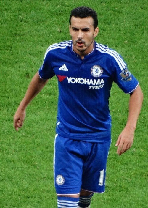 Pedro in the field playing for Chelsea in 2015