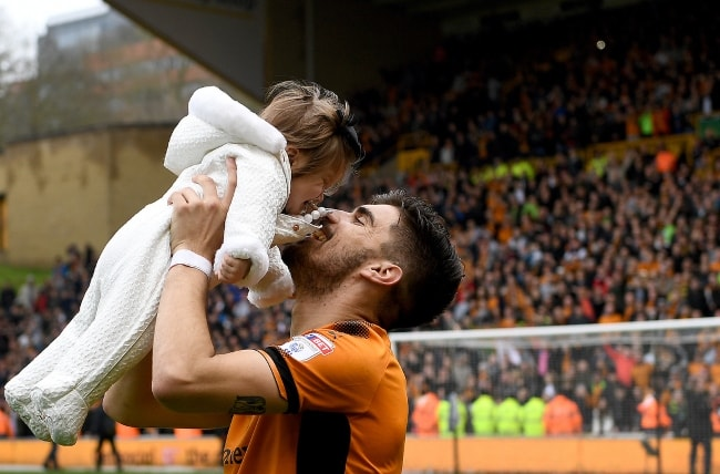 Rúben Neves with his daughter in April 2018