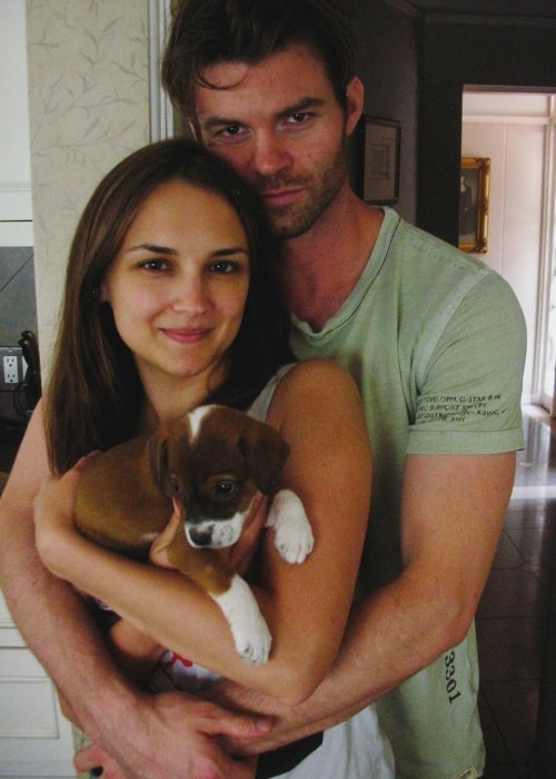 Rachael Leigh Cook with Daniel Gillies and a rescued dog named Hudson