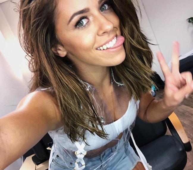 Vanessa Mai in a selfie in August 2018
