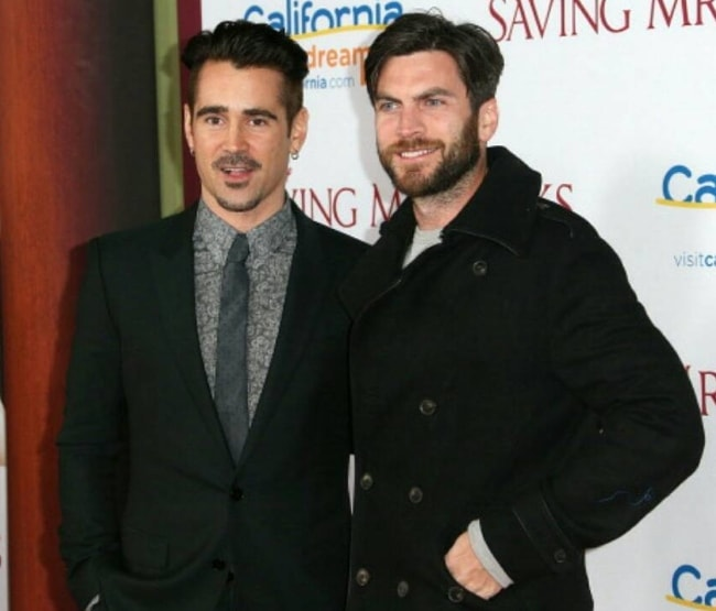 Wes Bentley (Right) posing for the camera