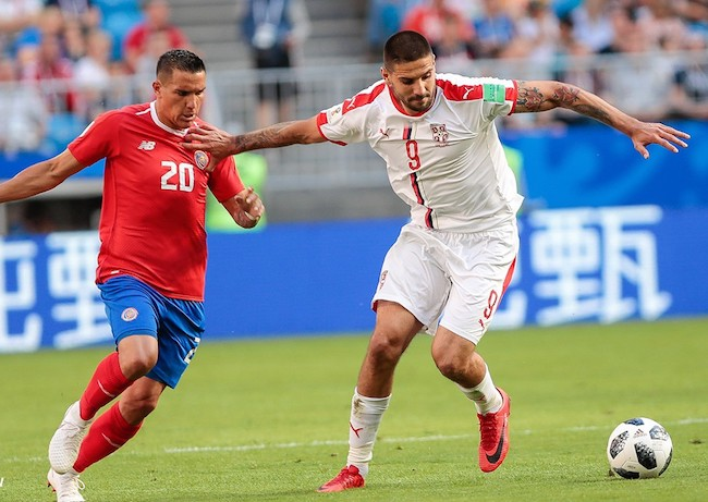 Aleksandar Mitrović and David Guzmán (Left) during a match in June 2018