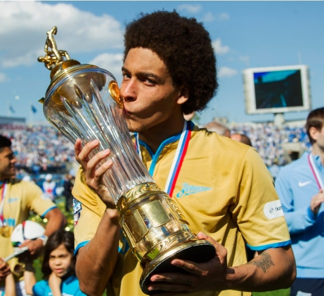Axel Witsel celebrating in May 2015