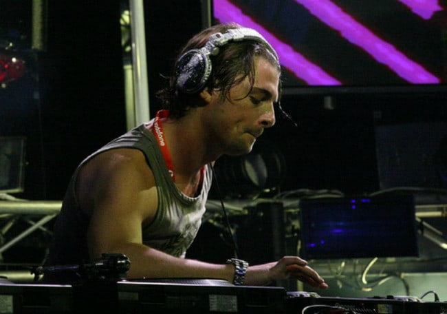Axwell at the Melbourne Central in 2007