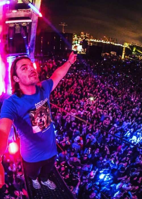 Axwell in a selfie during a performace in November 2017