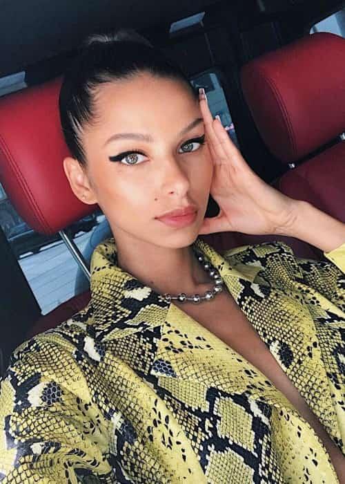 Bruna Lirio in a selfie in August 2018
