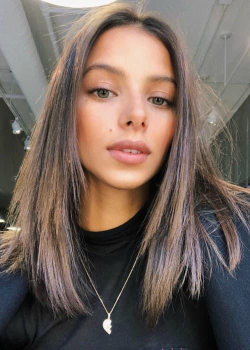 Bruna Lirio in an Instagram selfie as seen in February 2018