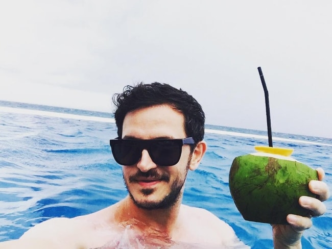 Burak Yeter in a selfie in Maldives Island in August 2016