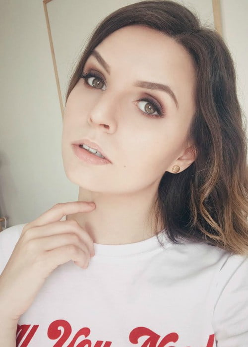 Emma Blackery in an Instagram selfie as seen in July 2018