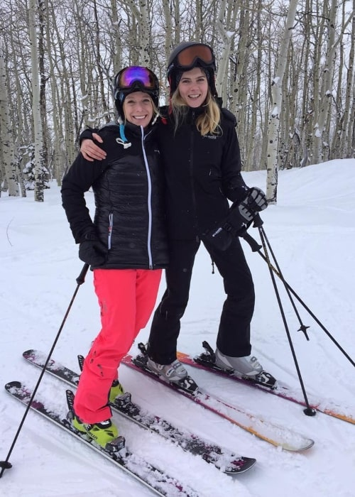 Emma Greenwell (Right) skiing with Hannah Kearney in January 2016