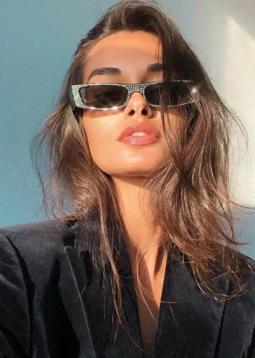 Gizele Oliveira in a selfie as seen in September 2018