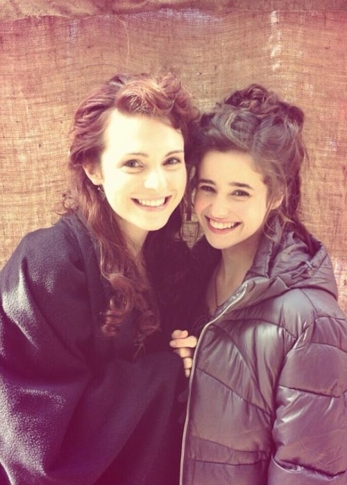 Holly Earl (Right) as seen with Tamla Kari