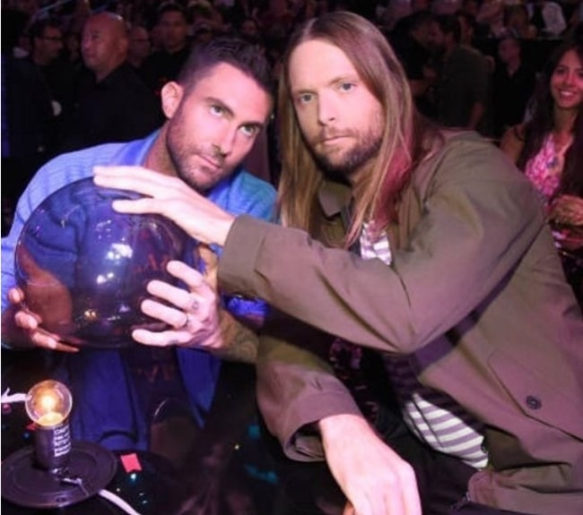 James Valentine (Right) with Adam Levine at Teen Choice Awards in August 2017