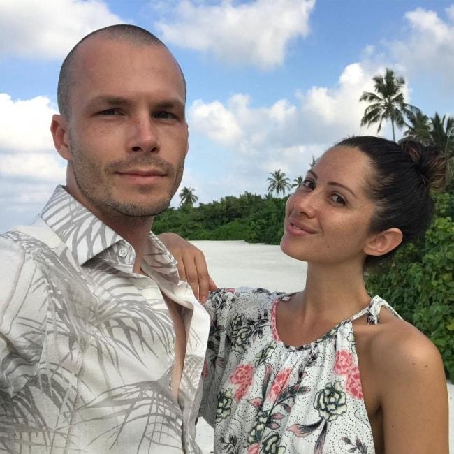 Jasmin Howel with Raz in a selfie in March 2018