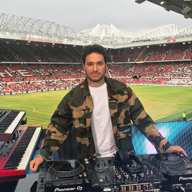 Jonas Blue performing for Soccer Aid for UNICEF UK 2018