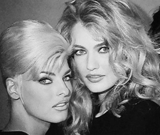 Karen Mulder (Right) as seen with Linda Evangelista