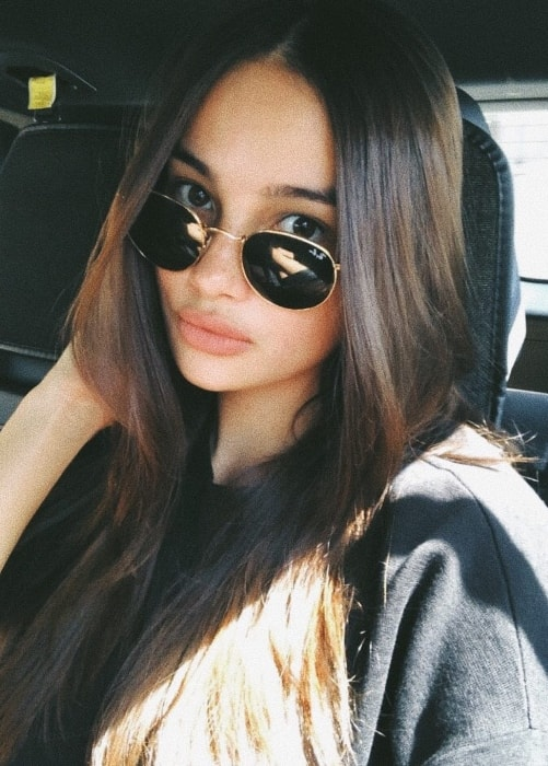 Kelsey Merritt showing her gorgeous hair in a selfie in May 2018