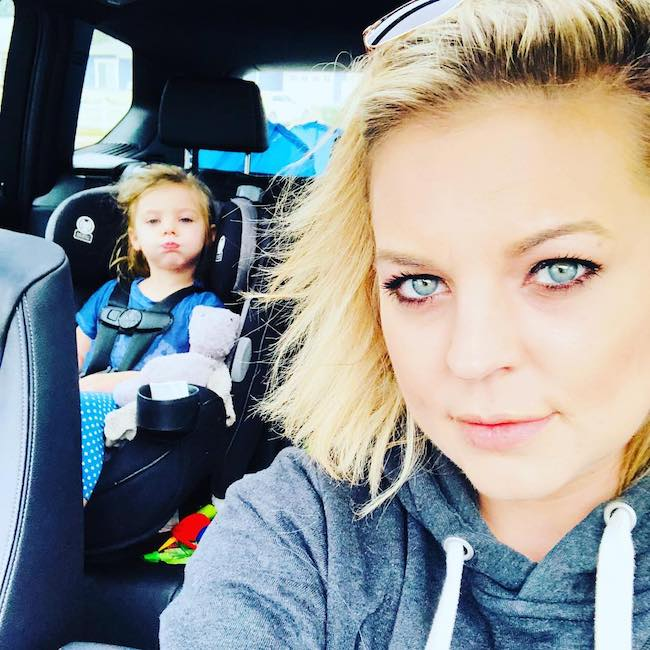 Kirsten Storms with her daughter in a car selfie in January 2018