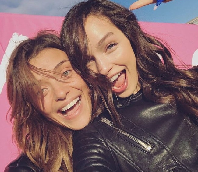 Lais Oliveira (Left) in a fun-selfie with Luma Grothe in November 2016