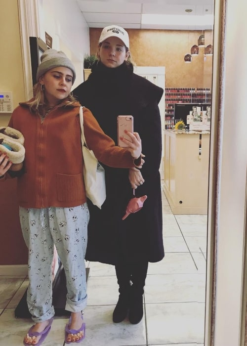 Mae Whitman (Left) in a mirror selfie with Lizzie G in December 2017