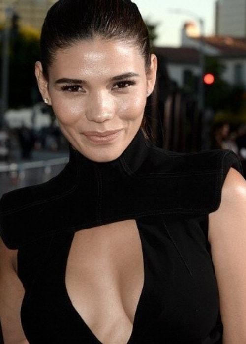 Paloma Jiménez in a stunning black dress