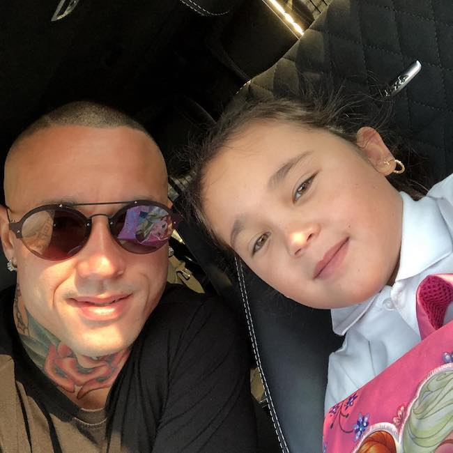 Radja Nainggolan with his daughter in a selfie in September 2018