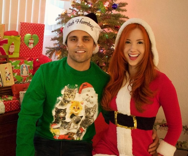 Ray William Johnson in a holiday-picture with Kelly K Farrell in December 2017