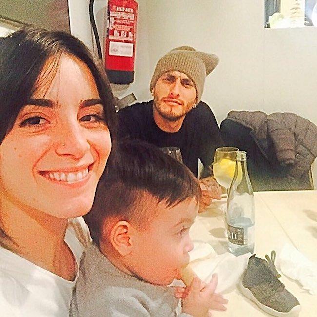 Roberto Pereyra with Maria Carolina and their child in January 2017