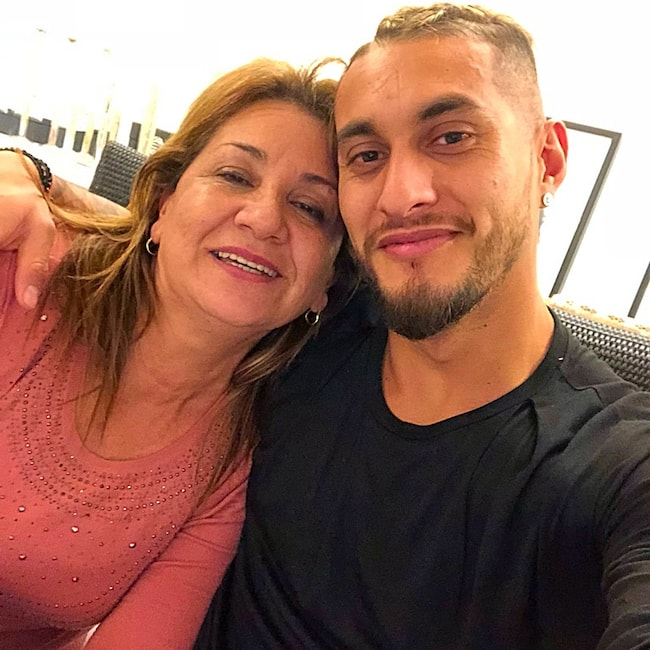 Roberto Pereyra with his mother as seen in January 2018