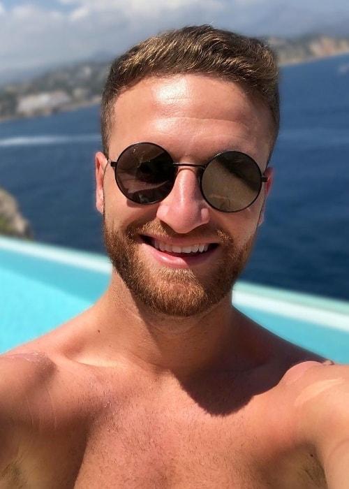 Shkodran Mustafi in a Monday-selfie in June 2018
