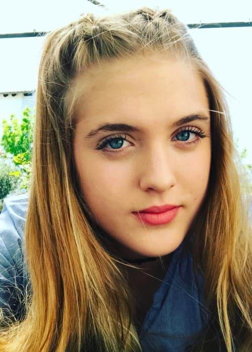 Sophia Münster in an Instagram selfie as seen in April 2017