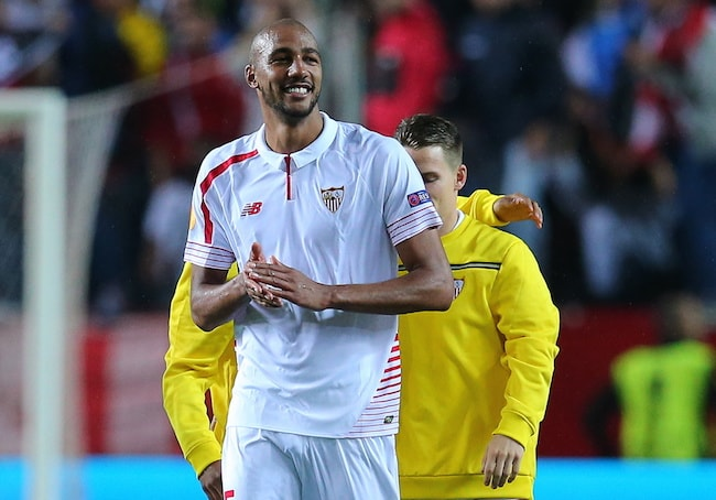 Steven N'Zonzi during a UEFA Europa League 2015-2016 semi-final match