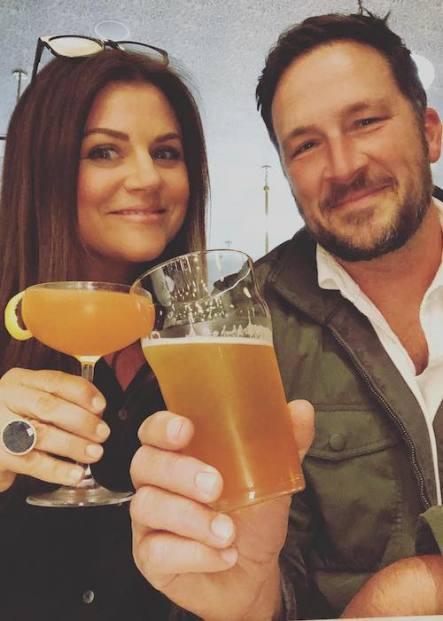 Tiffani Thiessen with Brady Smith on a dinner and movie date in May 2018