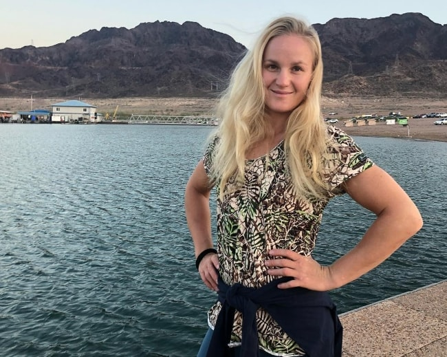 Valentina Shevchenko posing by the lake at Las Vegas, Nevada in August 2018