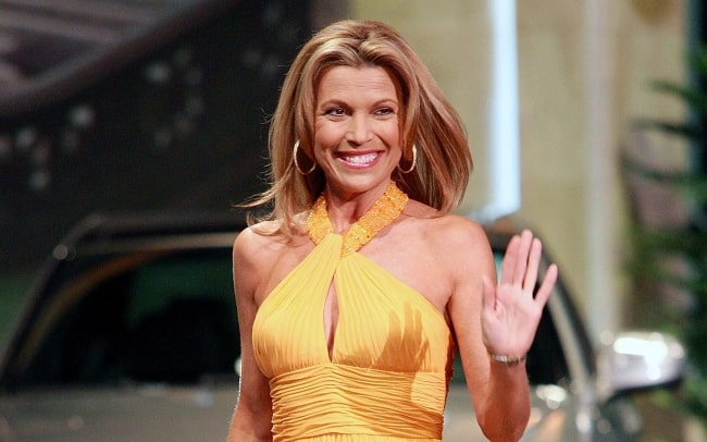 Vanna White looking gorgeous while waving at the camera
