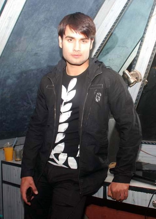 Vivian Dsena at Umair Zafar fashion shoot in Andheri in October 2012