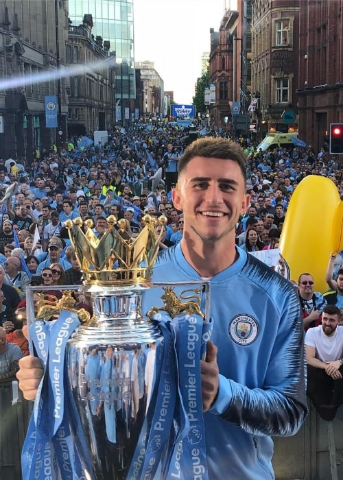 Aymeric Laporte with the Premier League trophy in May 2018