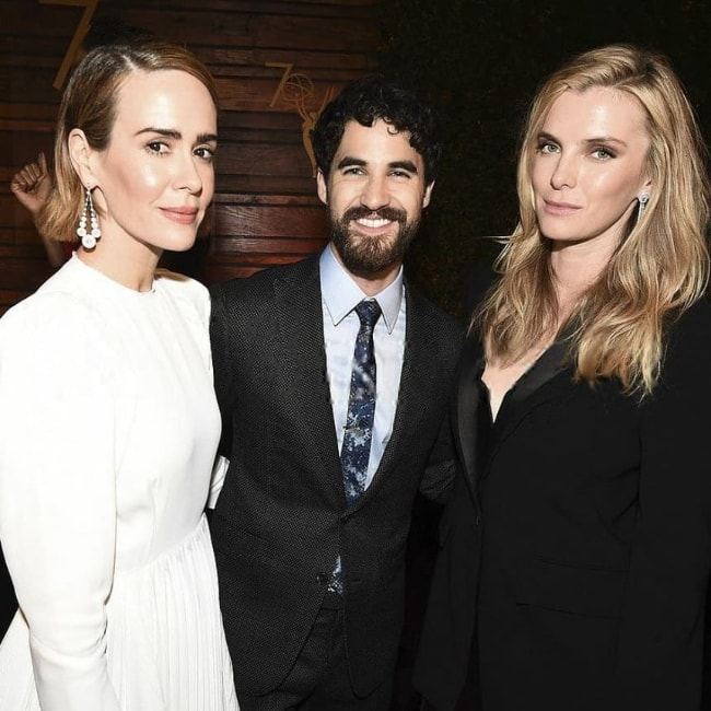 Betty Gilpin (Right) with Darren Criss (Center) and Sarah Paulson