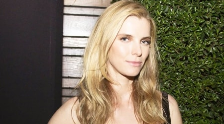 Betty Gilpin Height, Weight, Age, Body Statistics